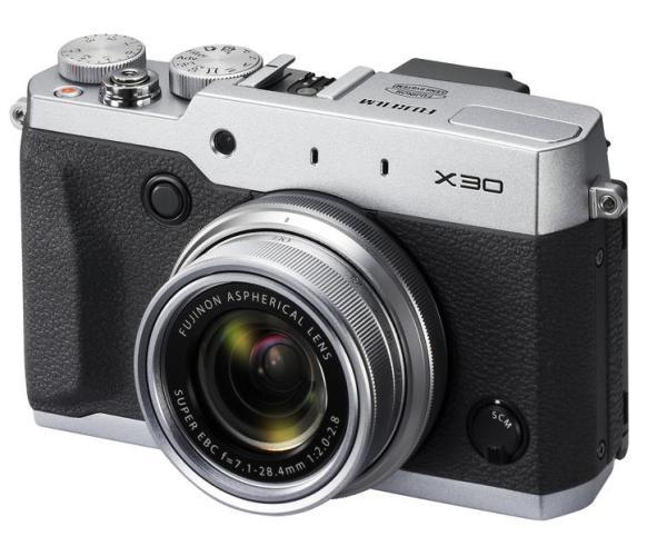 Die neue Fujifilm X30, ohne optischen Sucher (Bildquelle: Fujifilm)
